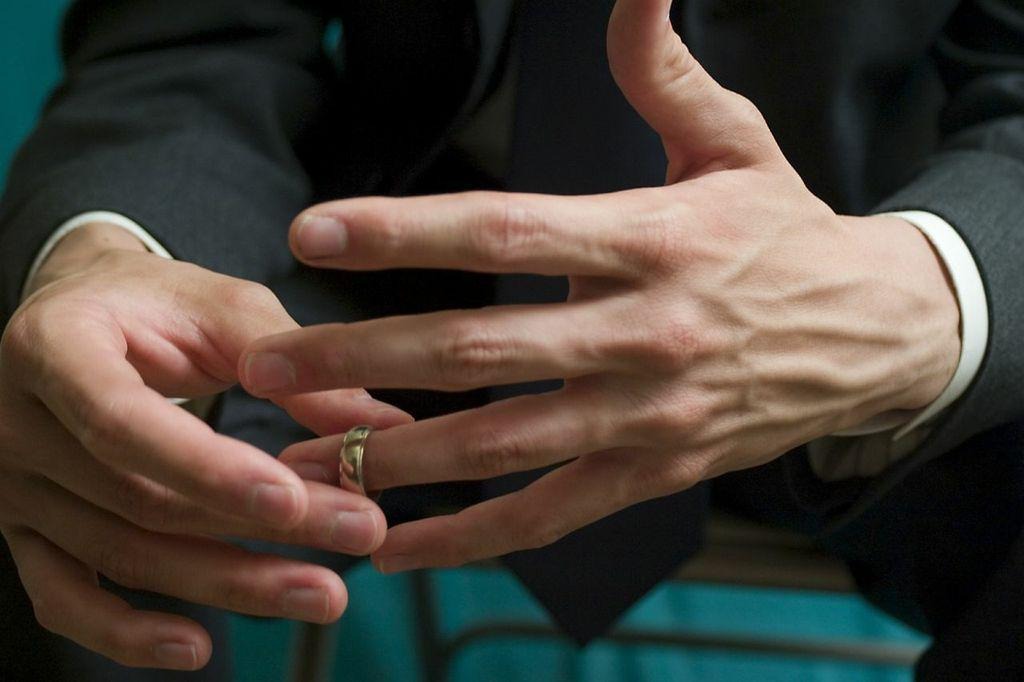 Maintaining Financial Solvency Through Divorce IMAGE